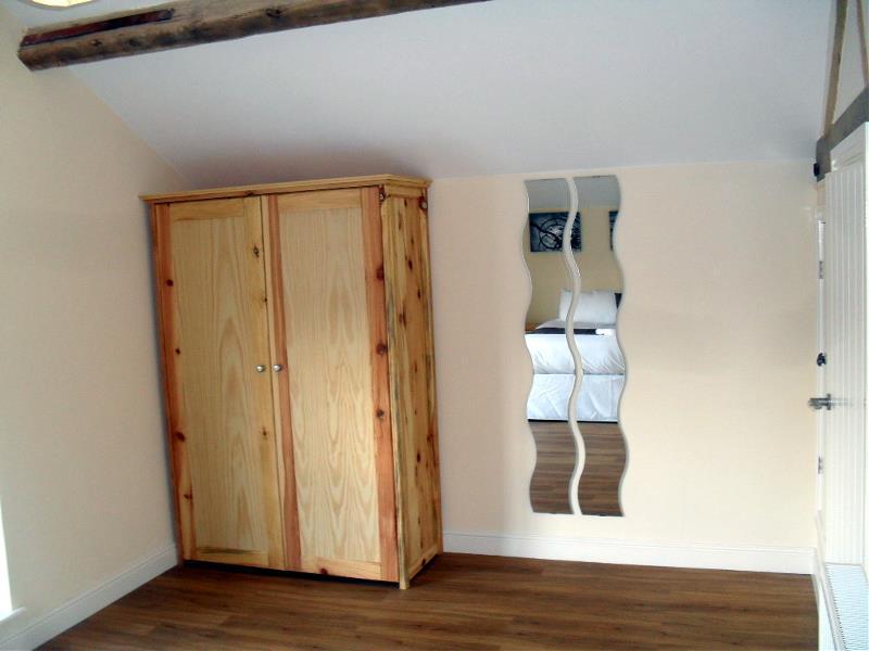 Badgers Sett Bedroom Wardrobes